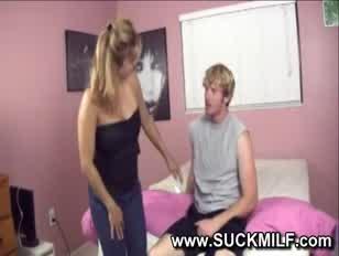 Porno:comment xa fais quand il touche les seins
